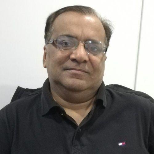 Dr. Nadeem Akhter