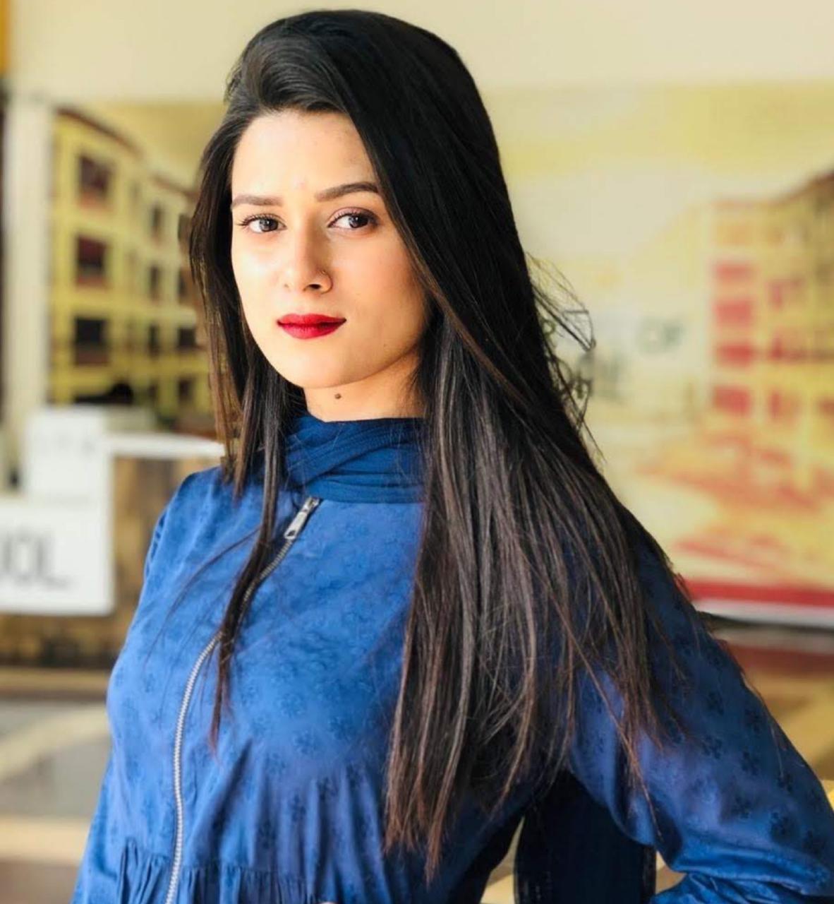 Dr. Maira Khan