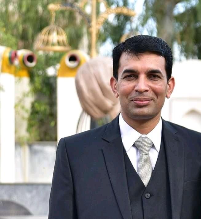 Prof. Dr. Naeem Yaqoob